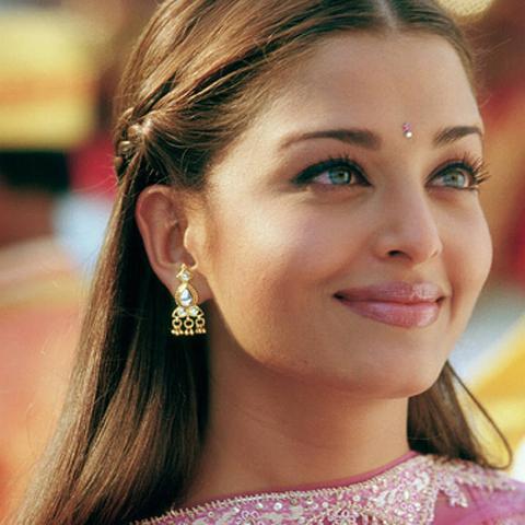Internationale Vrouwen India Yebba Styling